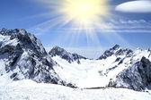 Mountains and sun — Stock Photo