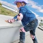 Child on in-line skates — Stock Photo
