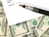Fond d'argent sous la forme de contrat — Photo