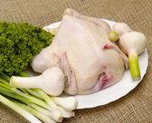 Pollo, preparado para cocinar con especias — Foto de Stock