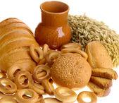 Delicioso pan rusk y anillo de pan w — Foto de Stock