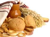 美味的面包思科和面包圈上 w — 图库照片