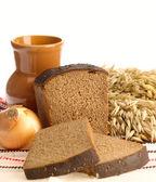 Delicioso pão no fundo folclórico — Foto Stock