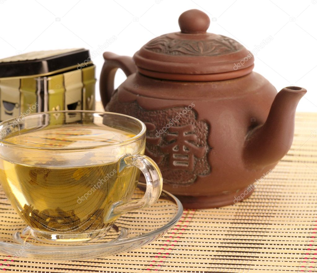 Tea ceremony. Green tea with cup and teapot — Stock Photo #1197378