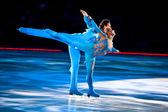 Skating pair — Stock Photo