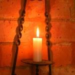 pirinç tutucu aydınlatma duvar içinde mum — Stok fotoğraf