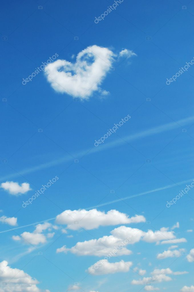 Cloudscape heart shape in sky  Stock Photo #1031326