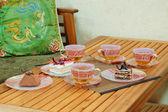 Cakes and green tea — Stock Photo