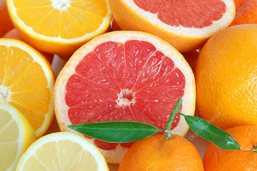 Heap of sweet citrus on white background — Stock Photo #1908569