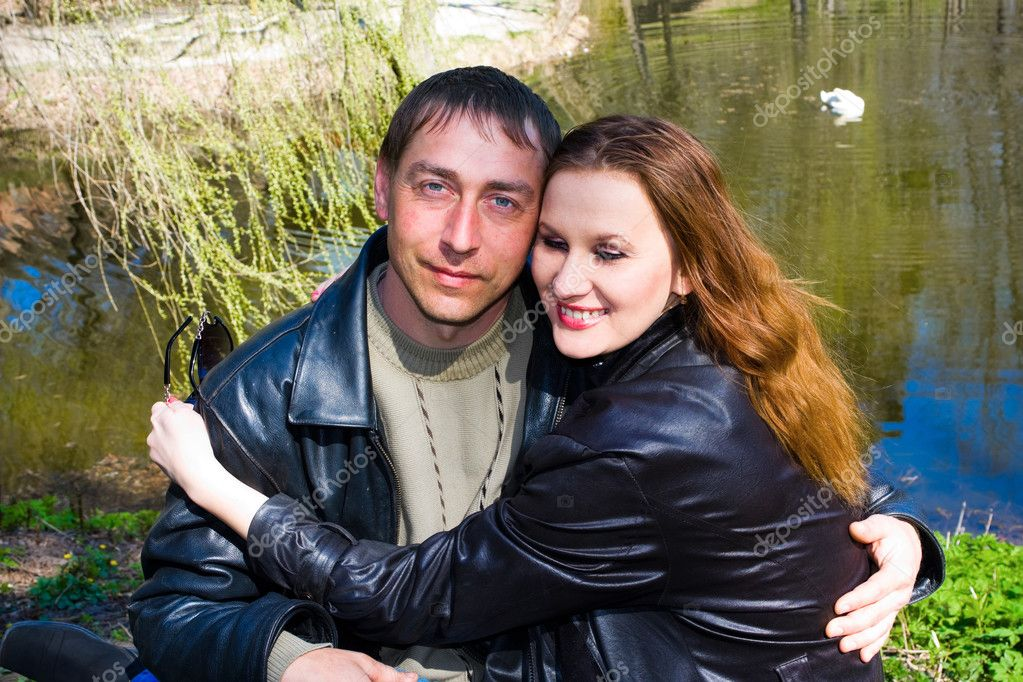 Love couple in the Spring Park — Stock Photo #1019768