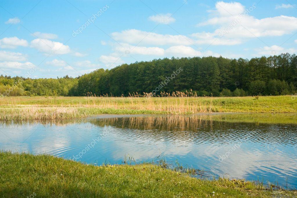 ��ce�f�x�_农村风景与小河— photo by alexanderzam