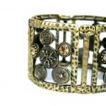Bracelet — Stock Photo #1012085