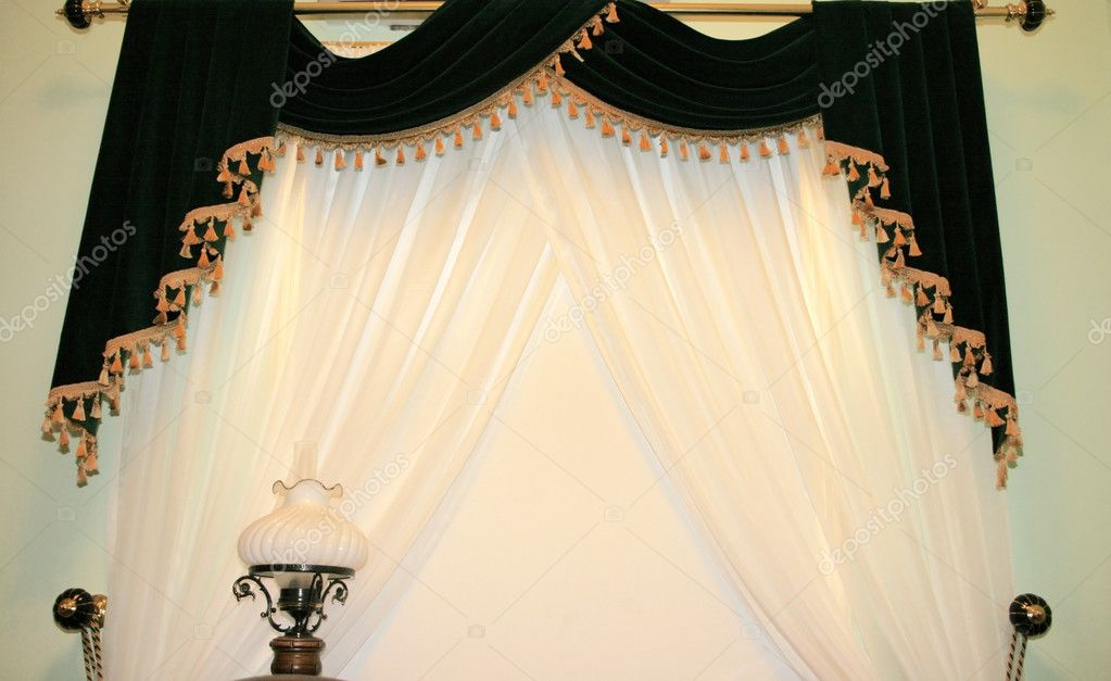 Picture of luxurious curtains and lamp. — Stock Photo #2204349