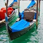 gondels in Venetië canal — Stockfoto