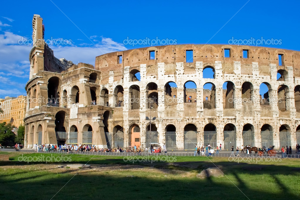 Ancient ruins of great stadium Colosseo, Rome, Italy — Stock Photo #1007264