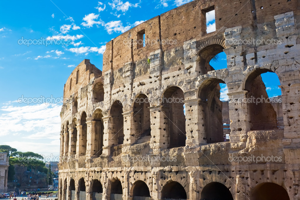 Ruins of great stadium Colosseum, Rome, Italy  Stok fotoraf #1010202