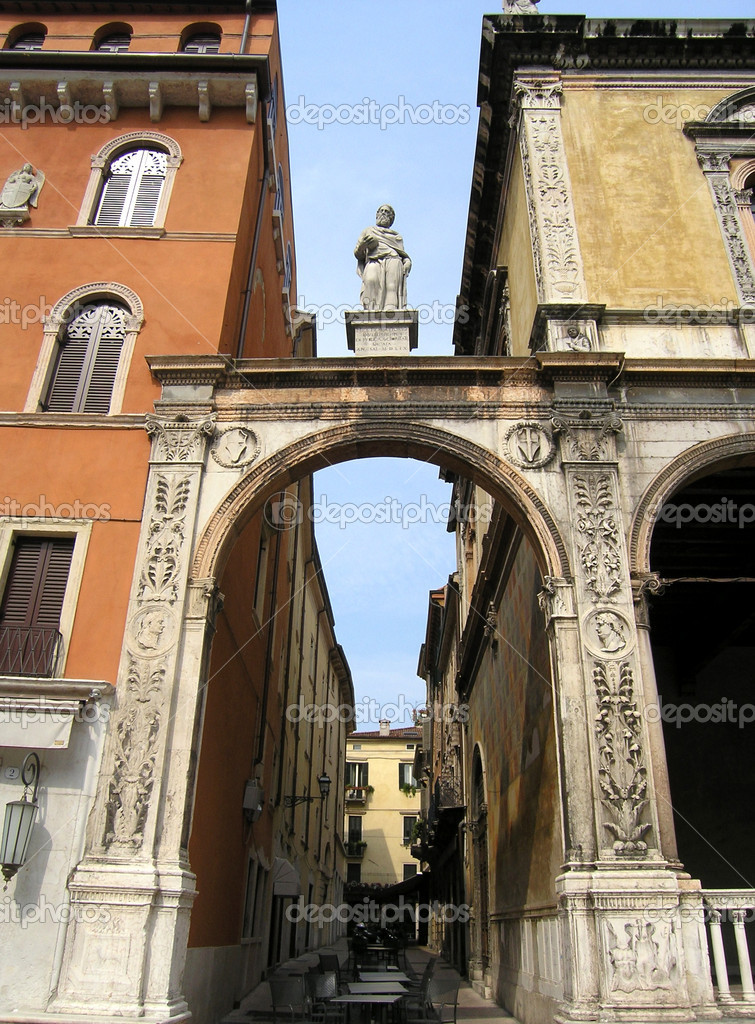 Details facade in Verona, Italy  Stock Photo #1036499