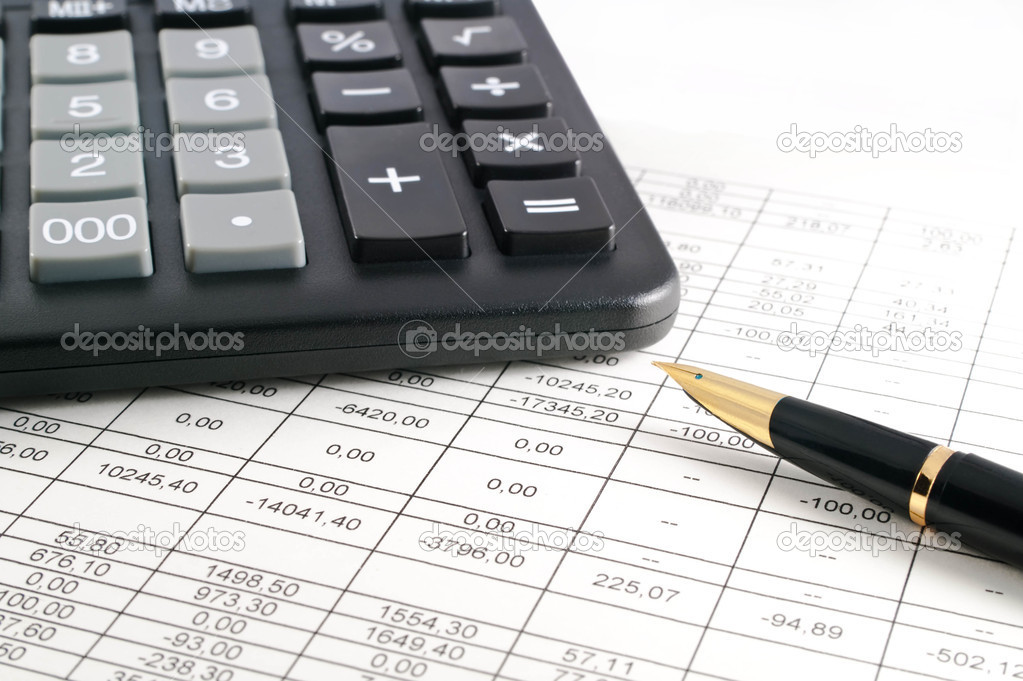 A calculator, pen, and financial statement. — Stock Photo #2257784