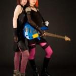Rock meisjes met basgitaar — Stockfoto