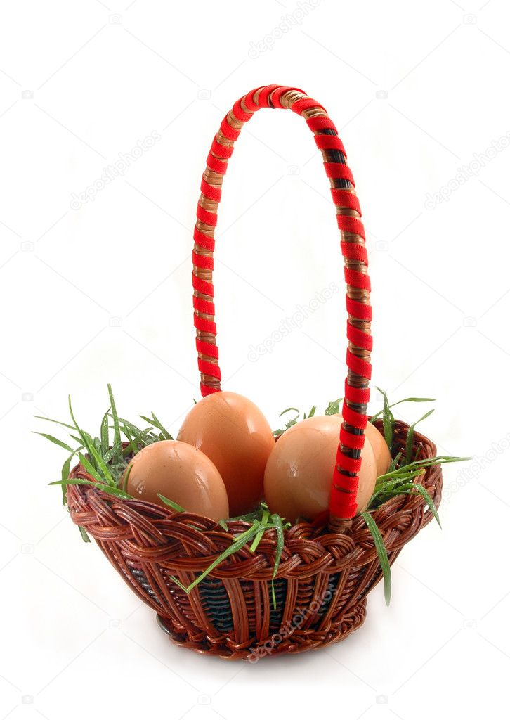 Easter eggs in basket — Stock Photo #1104869