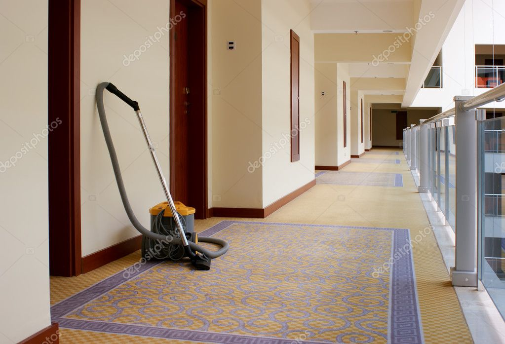 Vacuum cleaner stands in the corridor of the Hotel — Stock Photo #1014405