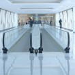 Airport escalator — Stock Photo