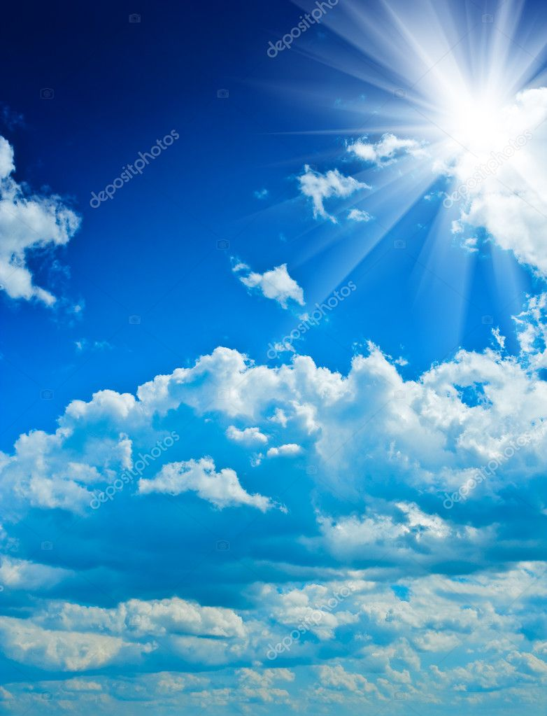 Beautyful cloudy blue sky with sun  Foto de Stock   #1034706