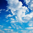 Very blue and contrast cloudy sky — Stock Photo