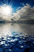Bir denizde fırtına gökyüzü — Stok fotoğraf