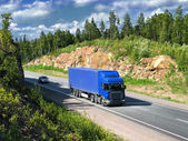 Blue truck — Стоковое фото