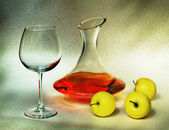Decanter and apples (still-life) — Stock Photo