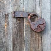 Rusty old padlock — Stock Photo