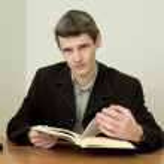 uomo leggere libro — Foto Stock #2268470