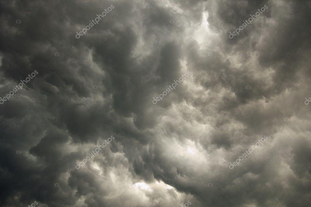 The summer sky with storm dark clouds — Stock Photo #2307319