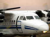 Commuter plane ready to go — Stock Photo