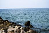Kamienie w oceanie atlantyckim — Zdjęcie stockowe