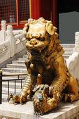 Bronze lion in Forbidden City — Stock Photo
