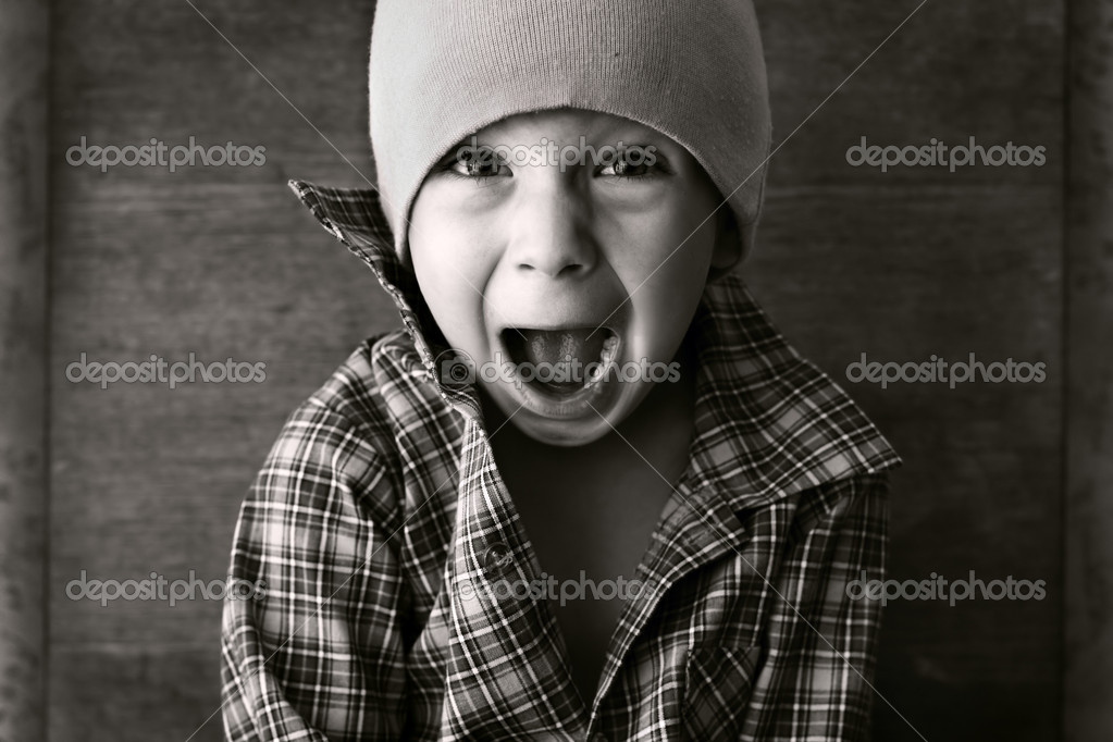Boy in the hat shouted, black and white photography — Stock Photo #1031932