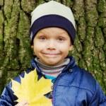 lächelnden Jungen — Stockfoto