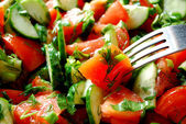 Salada com garfo — Foto Stock