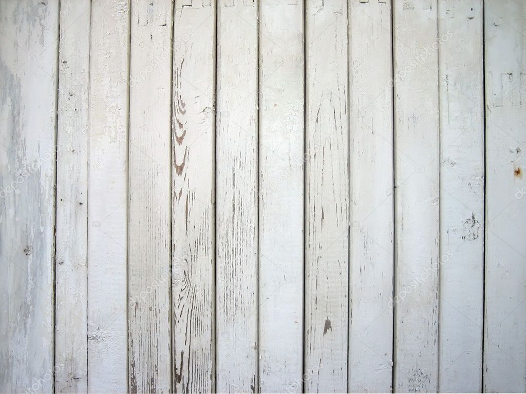 漆成白色的木质墙壁
