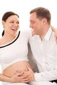 счастливый человек со своей женой сидя — Стоковое фото