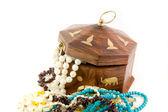 Wooden chest & necklace — Stockfoto