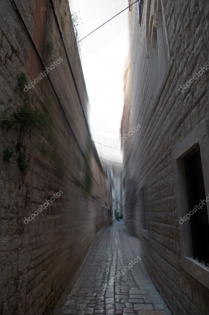 An old narrow street is in Croatia, city Trogir. — Stock Photo #1031134