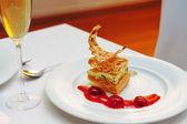 Dessert in restaurant — Stock Photo