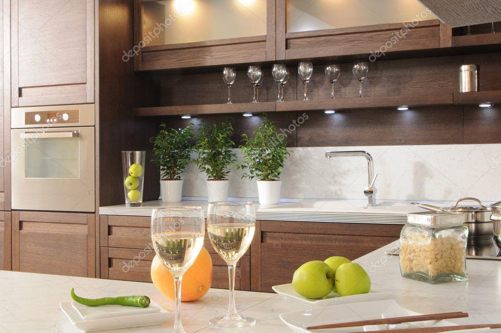Стильные полки в кухню