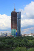 Building of sky-scraper in Moscow — Stock Photo