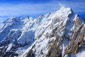 Auf dem berggipfel dych-tau — Stockfoto