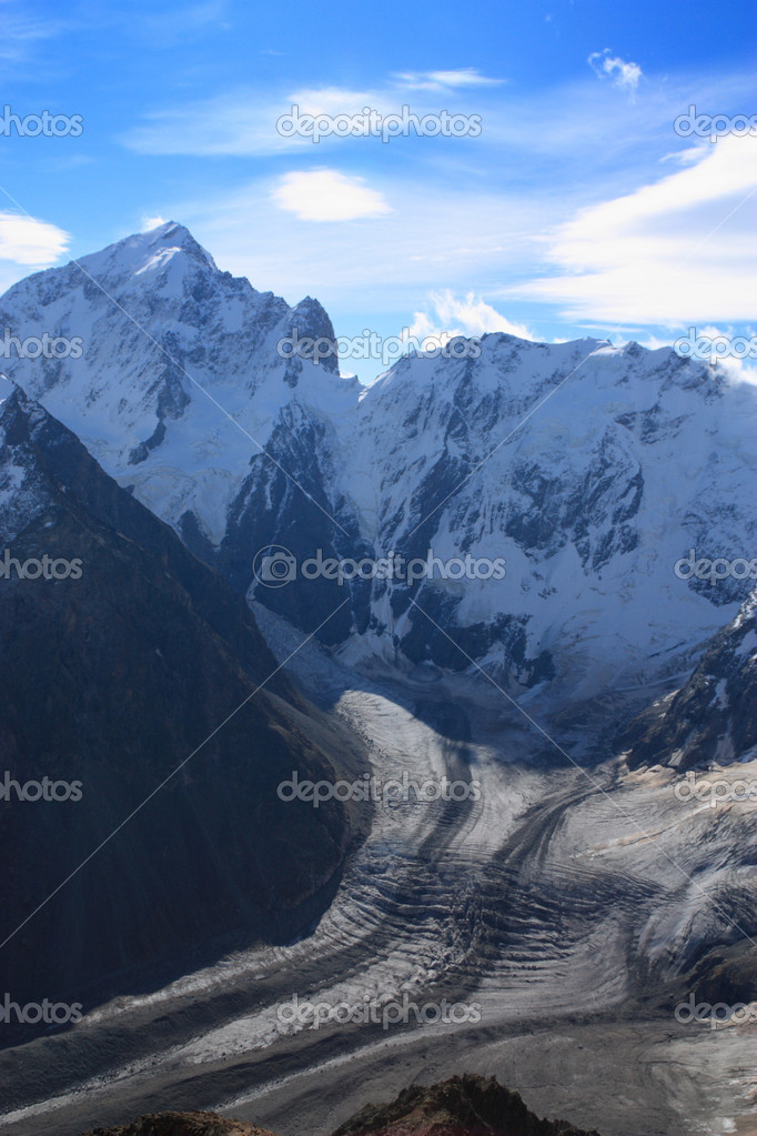 Part of the Northern massif of the Caucasus. This place is called Russian Himalaya — Stock Photo #1033783