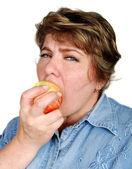 女人咬苹果 — 图库照片